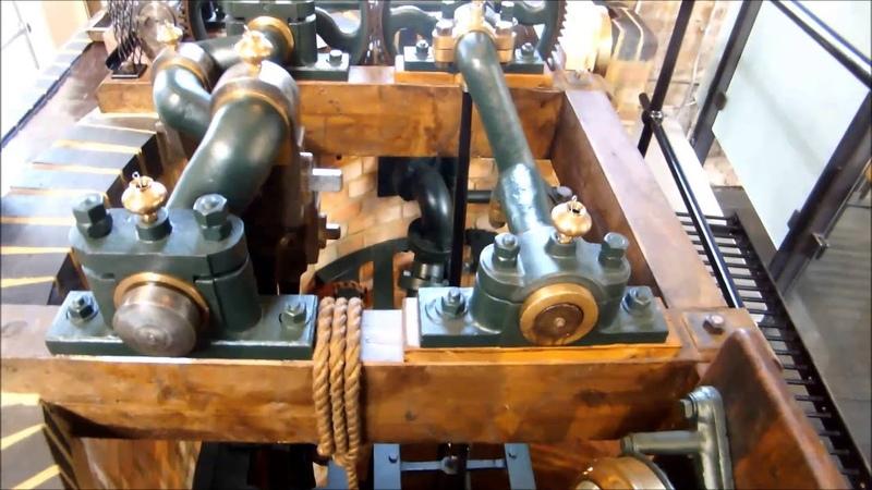 Паровая машина (паравой двигатель) и насосы для глубоких скважин в лондонском Музее воды и пара.