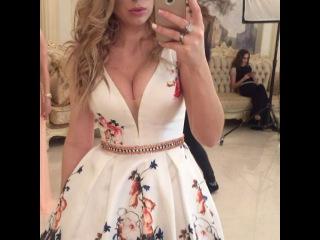 Как проходила подготовка Надежды Ермаковой к фотоссесии в красивых летних платьях