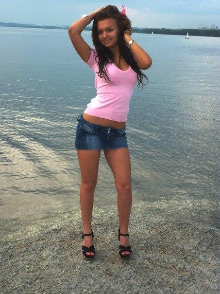 Красивые девушки в мини юбках фото подборка № 18