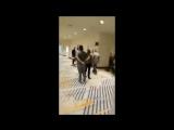 Хабиб Нурмагомедов дал пощечину Артему Лобову в напряженной встрече в коридоре отеля