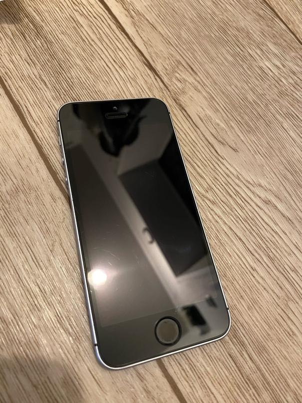 Купить Iphone se в хорошем сост.(все на фото)   Объявления Орска и Новотроицка №7735