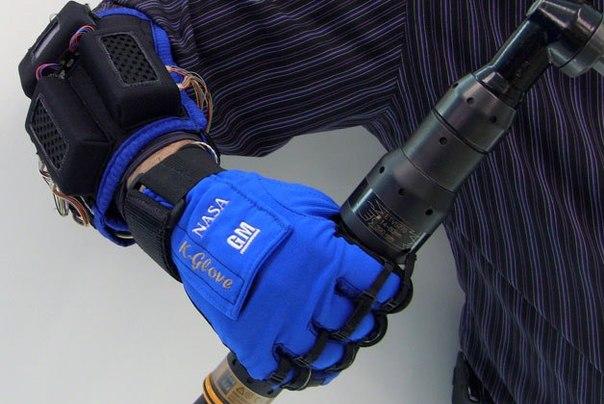 Екзоскелет - рукавиця
