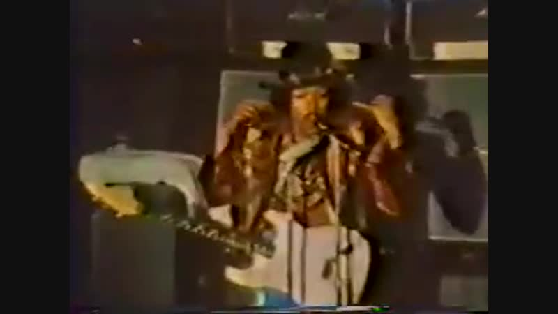 Jimi hendrix Sgt Peppers Jimis performance attended by two of the Beatles George Paul was at The Saville Theatre on 4th J