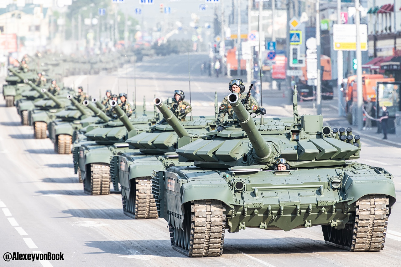 الدفاع الروسية تنشر صورا للعرض العسكري التجريبي الخاص باحتفالات عيد النصر 6PetsyN-CvM