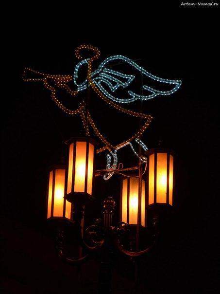 И еще фонарь