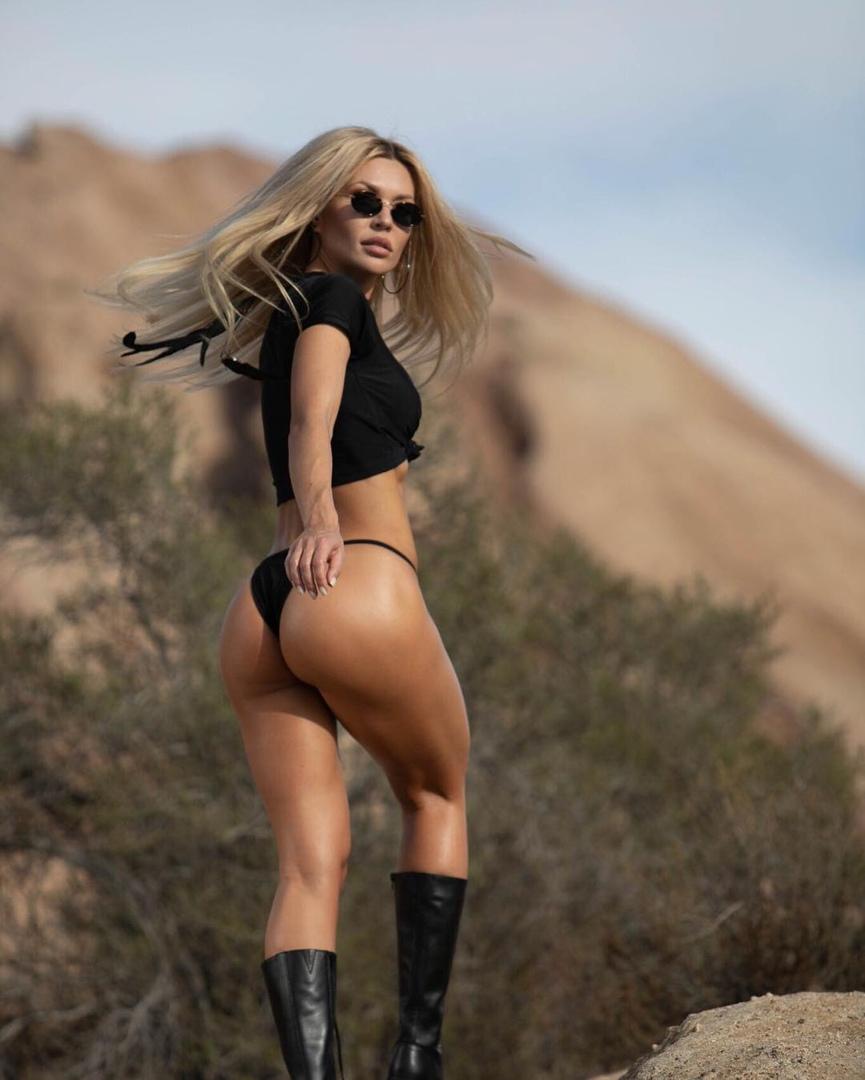 Amateur girlfriend outdoor groupsex with cumshots