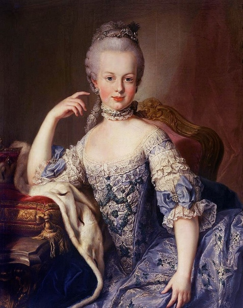 История о том, как королева Мария-Антуанетта предложила народу есть пирожные вместо хлеба
