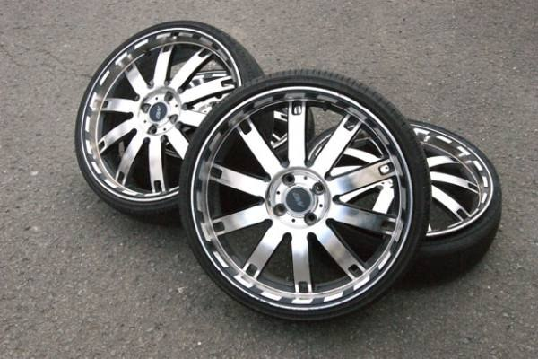 R18 chrome wheels