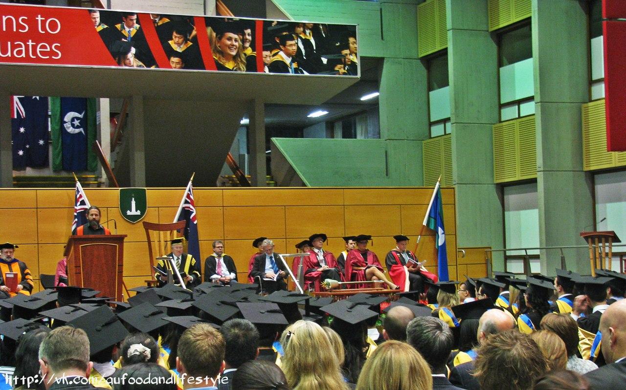 Сравнение российского и австралийского подходов к образованию  Получив высшее образование в России и отучившись в магистратуре в Австралии у меня есть возможность сравнивать подход к образованию в российских и