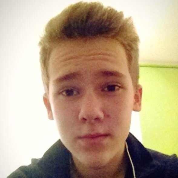 Oleg Evdokimenko updated his profile picture: - LhKb0lmA2PE