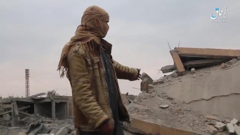 Последствия американских авиаударов по школе в деревне Шафа вблизи сирийско иракской границы
