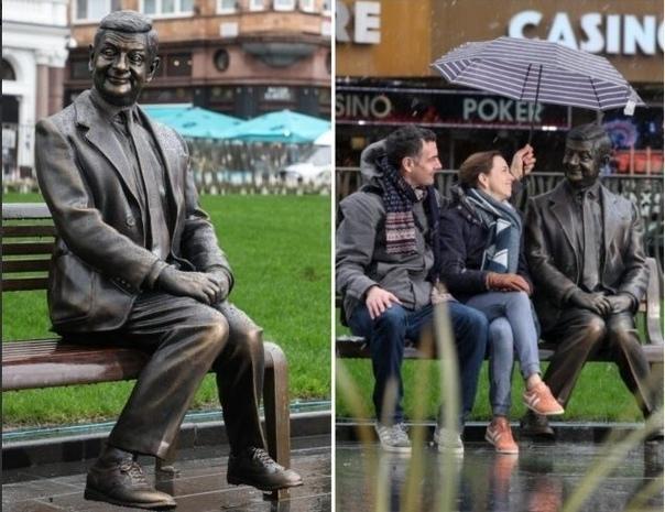 Памятник Мистеру Бину в Лондоне.