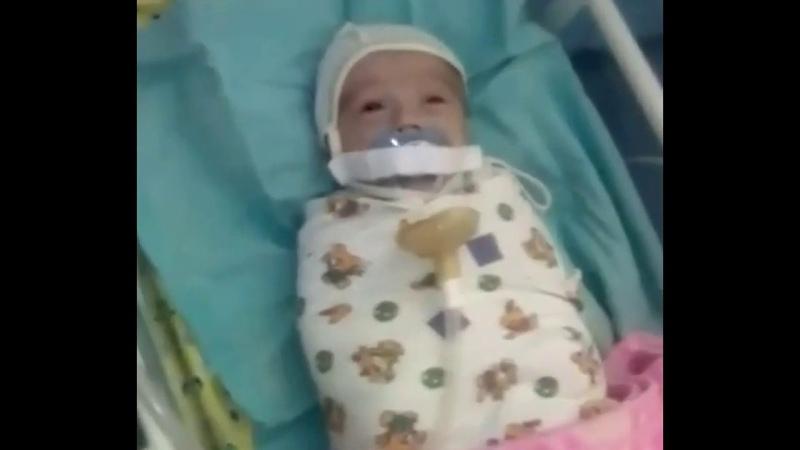 В Ингушетии младенцу заклеили рот пластырем