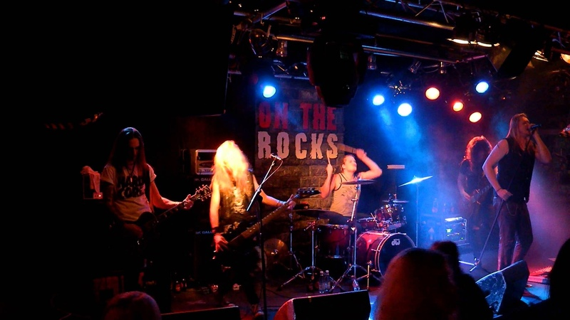Rocket Queen - Don't Cry (G'n'R cover) @ On The Rocks, Hellsinki 05.12.2013