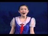 North Korean Girls Singing 北朝鮮万景台少年宮殿の公演から