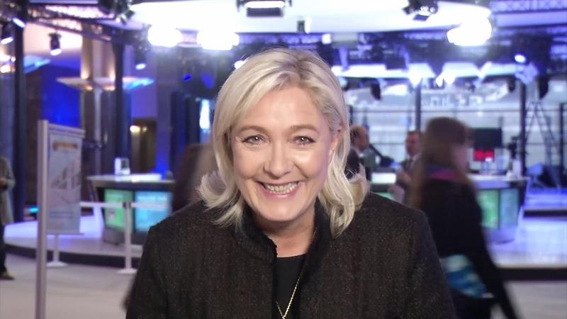 RENZI A CASA Messaggio di Marine Le Pen Roma 28 02 2015