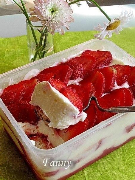 10 рецептов клубничных десертов без выпечки