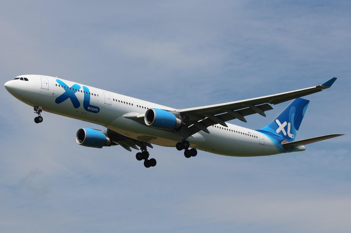 Airbus A330 в ливрее XL Airlines заходит на посадку