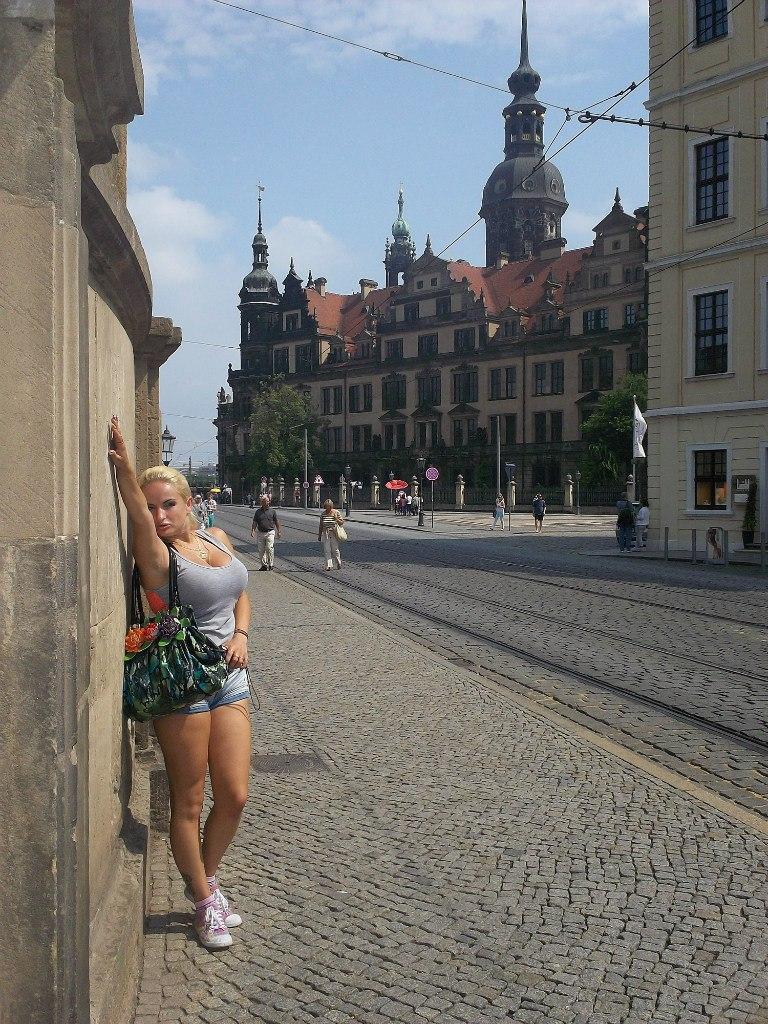 Елена Руденко ( Valteya ) . Германия. Дрезден. Лето 2012. XGi-ASiIoO0