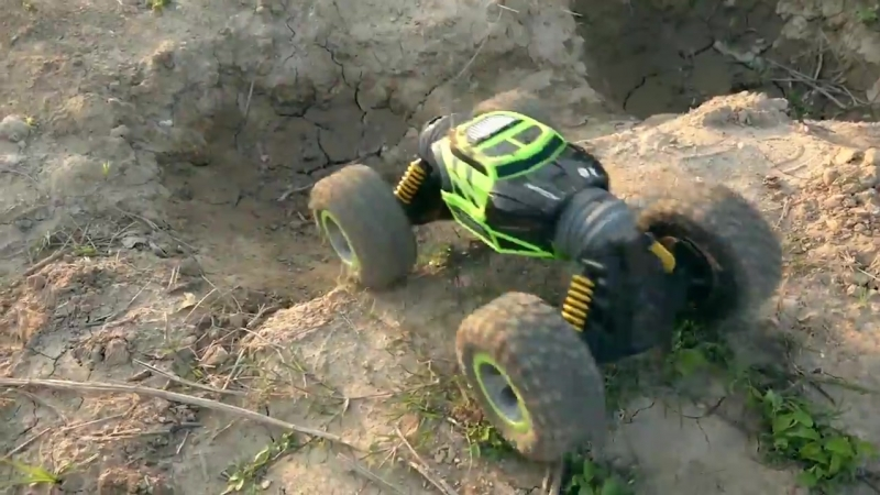 UD2168A 2.4G 4WD Double Sided Stunt RC Car.mp4