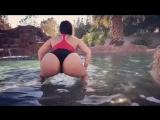 Alycia Starr трясет огромной сочной жопой над водой не порно секси сиськи попка
