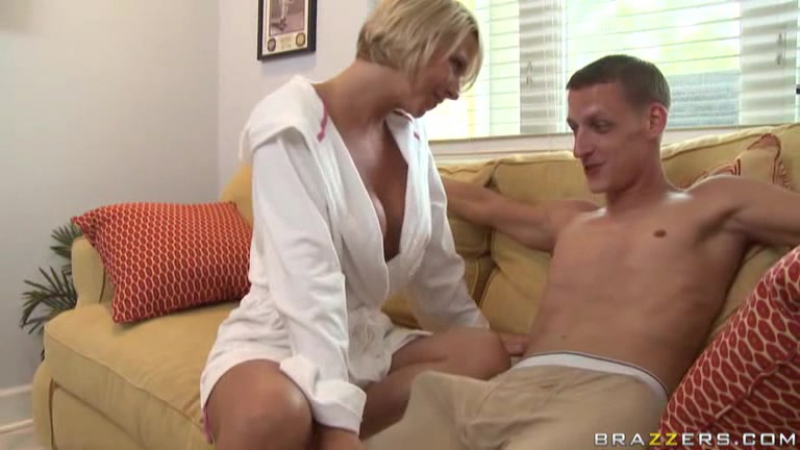 Brianna Beach (aka Ms. Beach) - In the House [MILF, Incest]