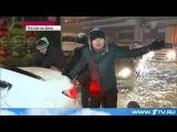 Баян недели - Мужик помогает растолкать машину - авто 2014 HD