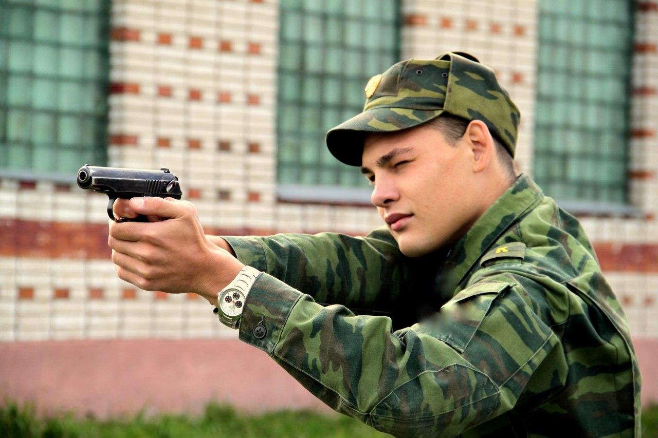 Фото красивых парней в военной форме 5 фотография
