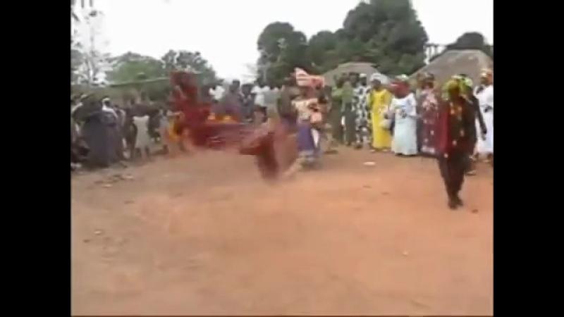 [v-s.mobi]Африканский танец лучше,чем брейк-Данс.mp4.mp4