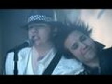 Смотреть видео клип Fall Out Boy feat. John Mayer на песню Beat It via music.ivi.ru