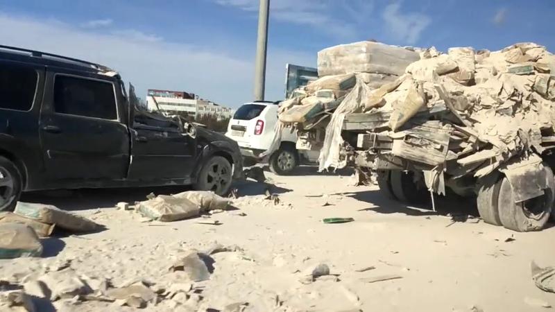 Питер Ларгус жестко влетел под грузовик
