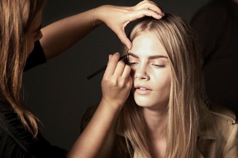 Назначение: Фотосессия рекламной кампании Burberry Beauty Осень-Зима 2011-2012 Дата: Май 2011 | Место: Лондон