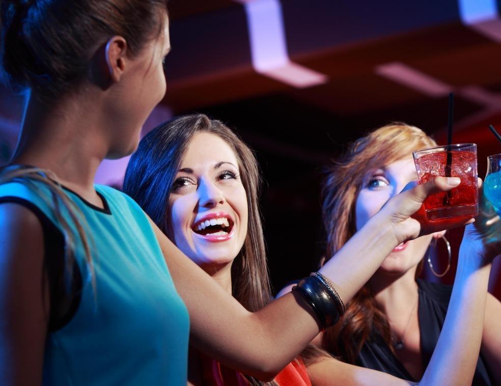 Частое употребление алкоголя может быть признаком алкоголизма.