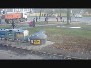 Военный СУ-27 на улицах Пинска. 30.10.2018