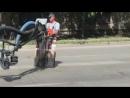 Новосибирский общественник снял, как дорожники безобразно кладут асфальт