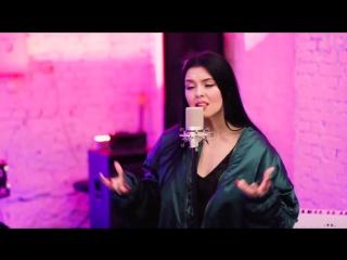 NILA MANIA спела кавер песни FEDUK - ХЛОПЬЯ ЛЕТЯТ НАВЕРХ