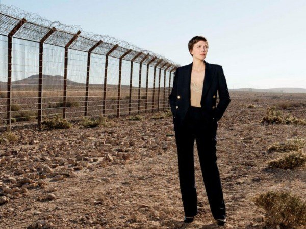 Идеальный вариант для спокойных выходных — посмотреть сериал «The Honourable Woman», в котором Мэгги Джилленхол пытается помирить Израиль с Палестиной