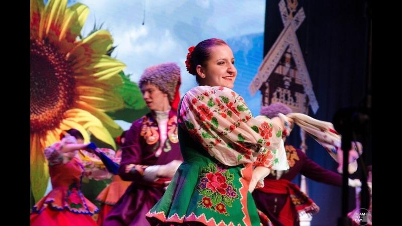 Ансамбль народного танца Каблучок имени Киры Черданцевой Молодычка