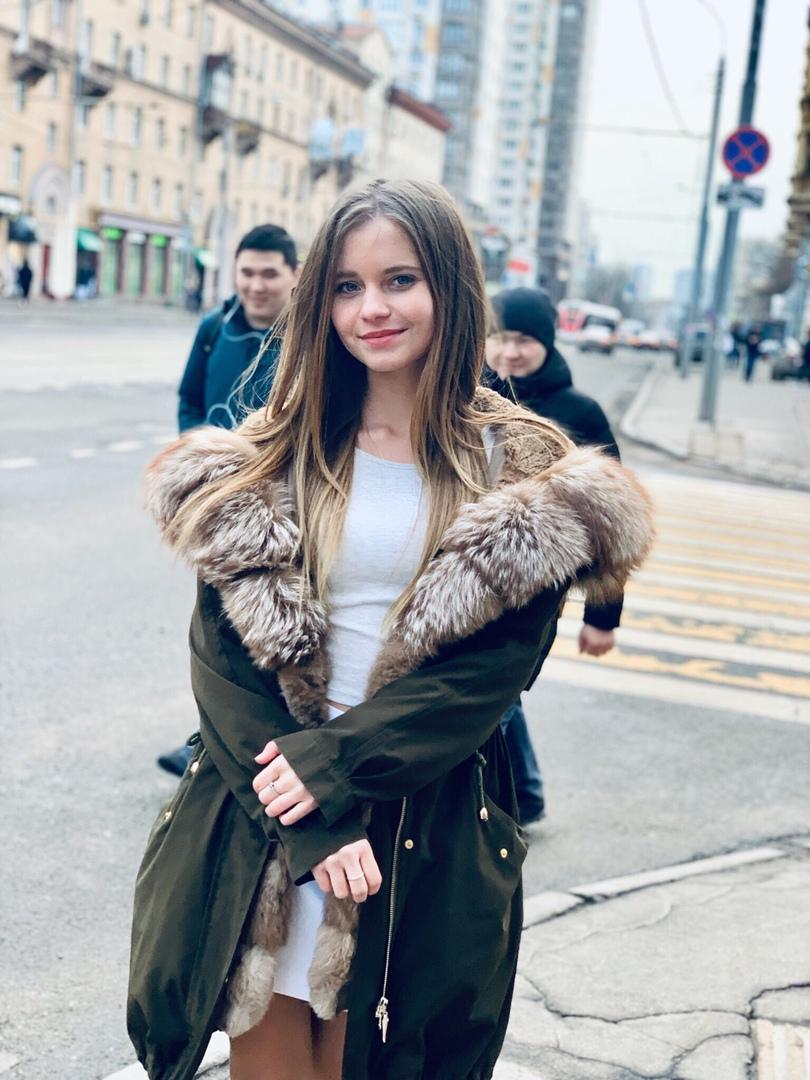 Alisa Kozhikina - Page 22 R5eCydYKDmU