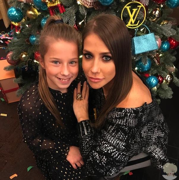 Юлия Барановская с дочкой Яной