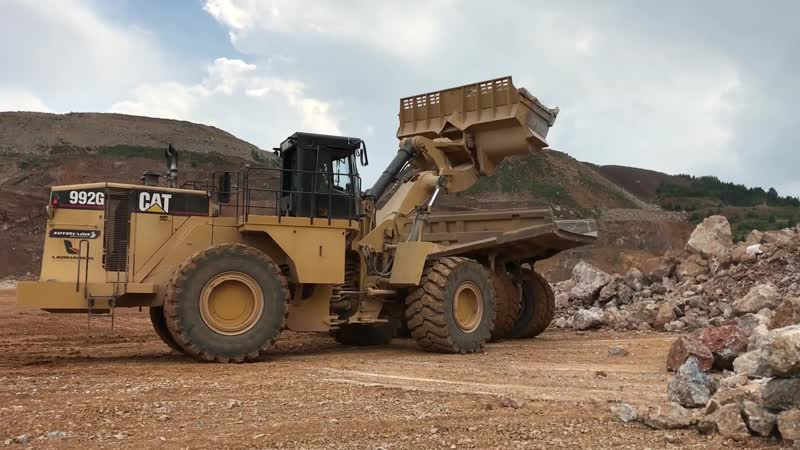 Cat 992G Wheel Loader Loading Cat Dumpers Sotiriadis Labrianidis