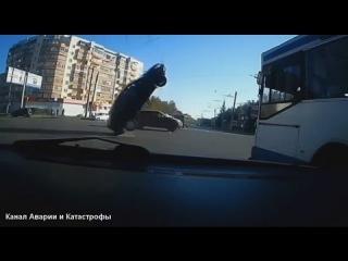 Автокатастрофы - Жесть!  Нарезка самых Интересных моментов автомобильных аварий и автокатастроф.