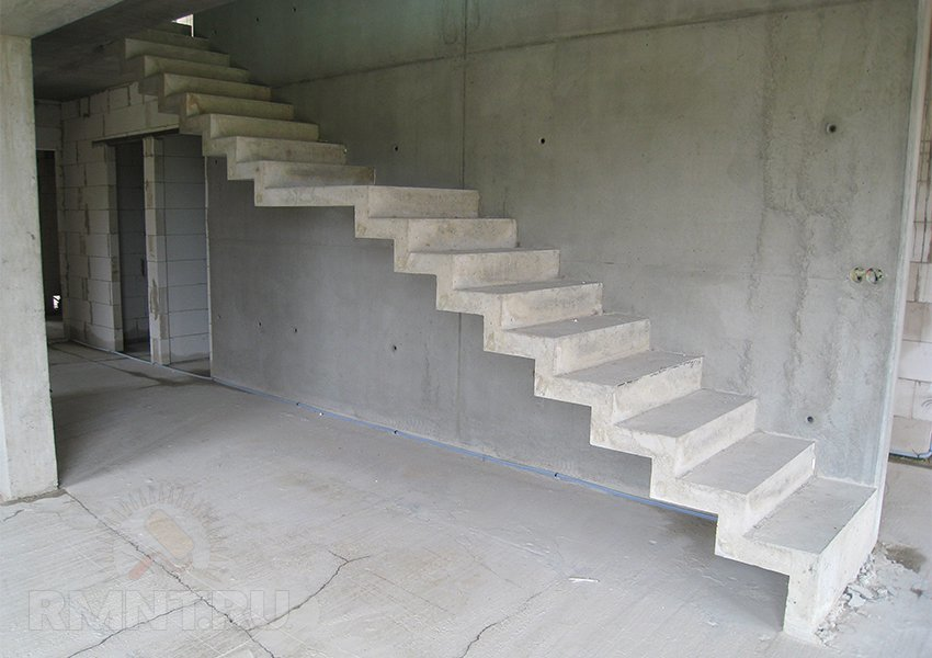 Расчет, монтаж, заливка и отделка бетонной лестницы
