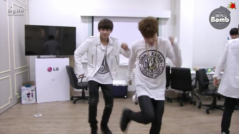 _BANGTAN BOMB_ it's tricky is title! BTS, here we go! (by Run–D.M.C.) ( 720 X 1280 60fps ).mp4
