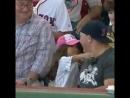 Милота на одном из матчей бейсбола
