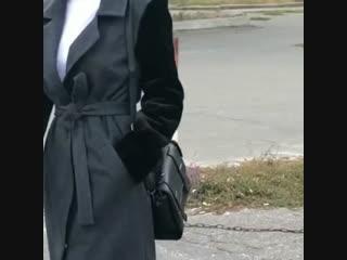 Пальто с плюшевым рукавом
