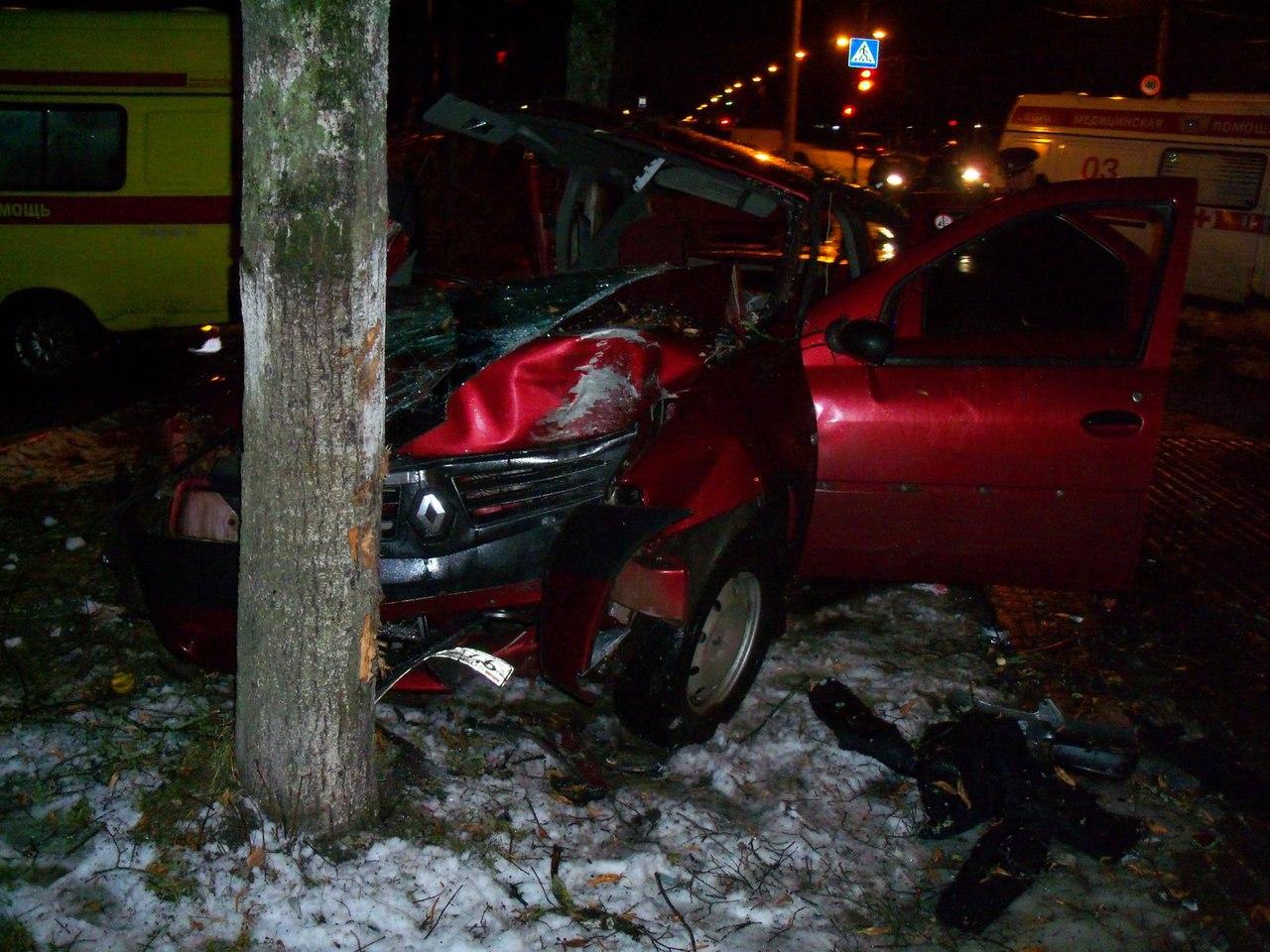 Авария вЖелезногорске: умер пассажир такси, еще 4 человека отправлены вмедучереждение