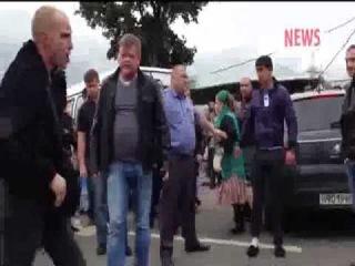 Дагестанцы избили полицейского на рынке-беспредел кавказцев в Москве продолжпется