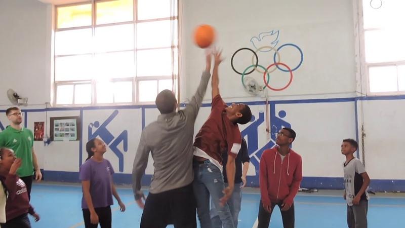 Maccabi visits Fidel Association students