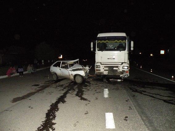 В ужасном дорожно-транспортном происшествии погиб водитель легковушки